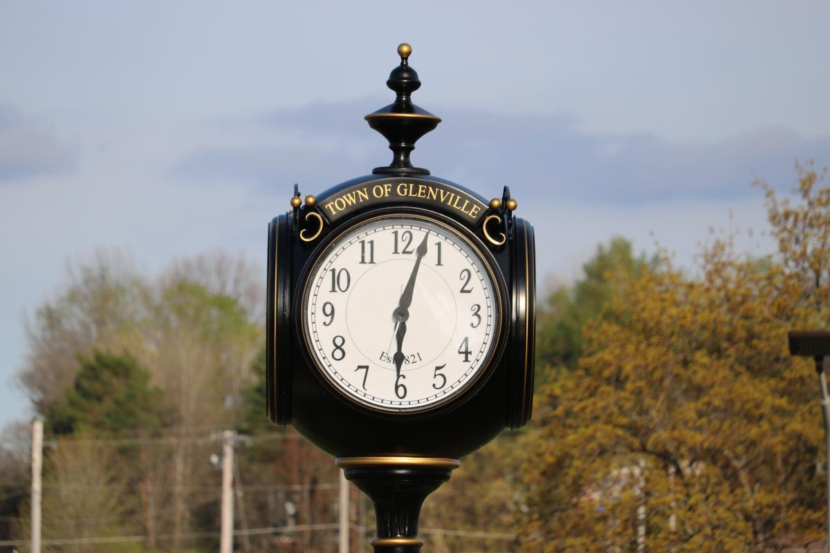 Landmark Clock in Glenville